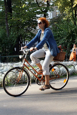 koszyk rowerowy z wikliny