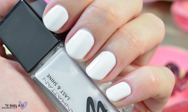 Manhattan Last And Shine Swatches PAINT IT WHITE