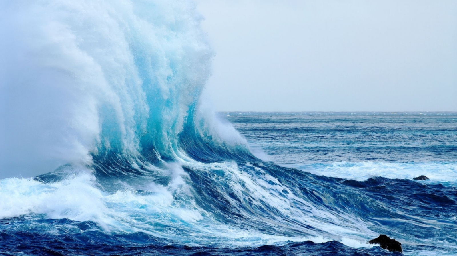 Great Waves Strong That Successfully Photographed Heres A Beautiful Image Of Ocean For Your Wallpaper