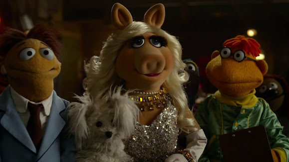 Muppets Most Wanted Miss Piggy 3f