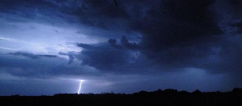 Capinchocumulus - Caçadores de tempestades