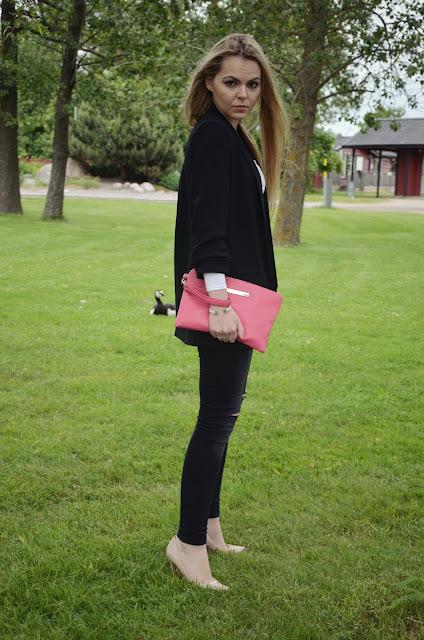 outfit fuchsia bag