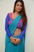 Anaika soti sizzling in saree-thumbnail-6