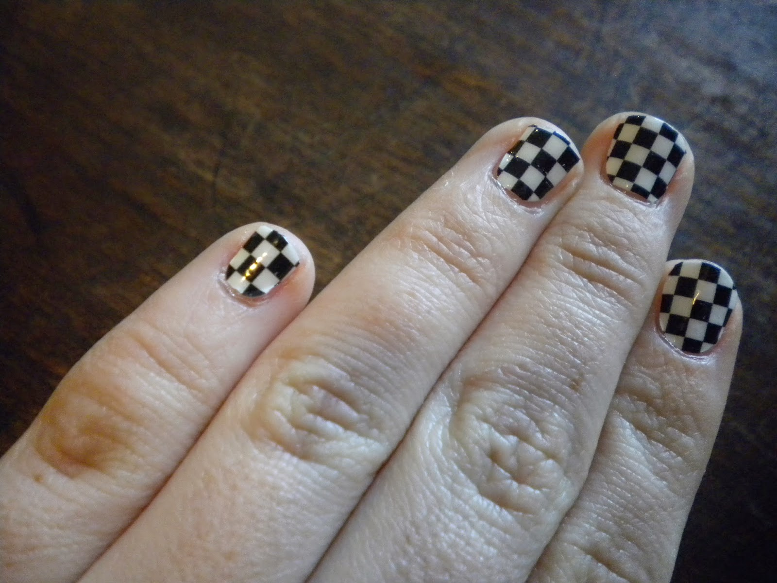 Addicted to nails...: Quick Post: Sally Hansen\'s Check, Please!