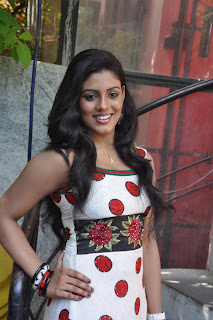 Iniya At Mouna Guru Press Meet %284%29.jpg
