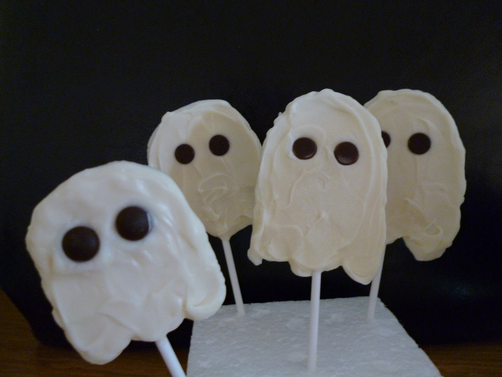 Halloween Ghosts on a Stick