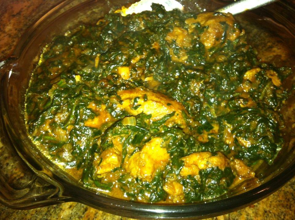 Palak Chicken (Spinach chicken or Chicken Hariyali)