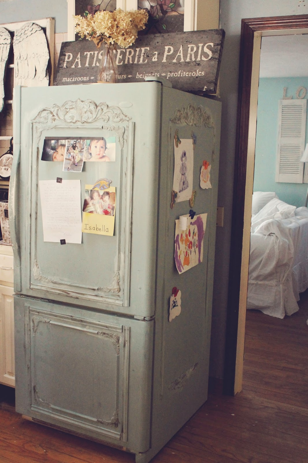 trois petites filles old fridge turned shabby french. Black Bedroom Furniture Sets. Home Design Ideas