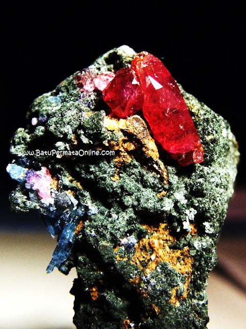Batu Ruby Rough