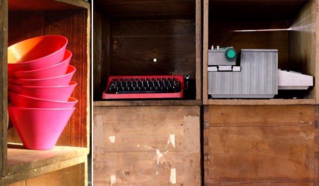 diseño interior en un loft con cajas de madera -detalle cajas recicladas