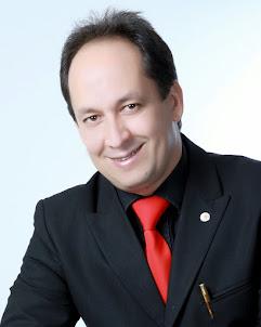 Pr. Cézar Carrijo