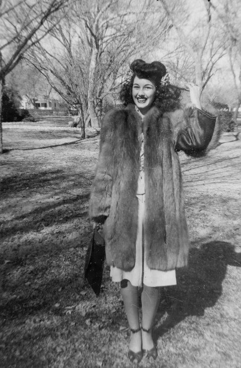 1940s Winter Fashion #40s #fashion #winter #vintage #1940s