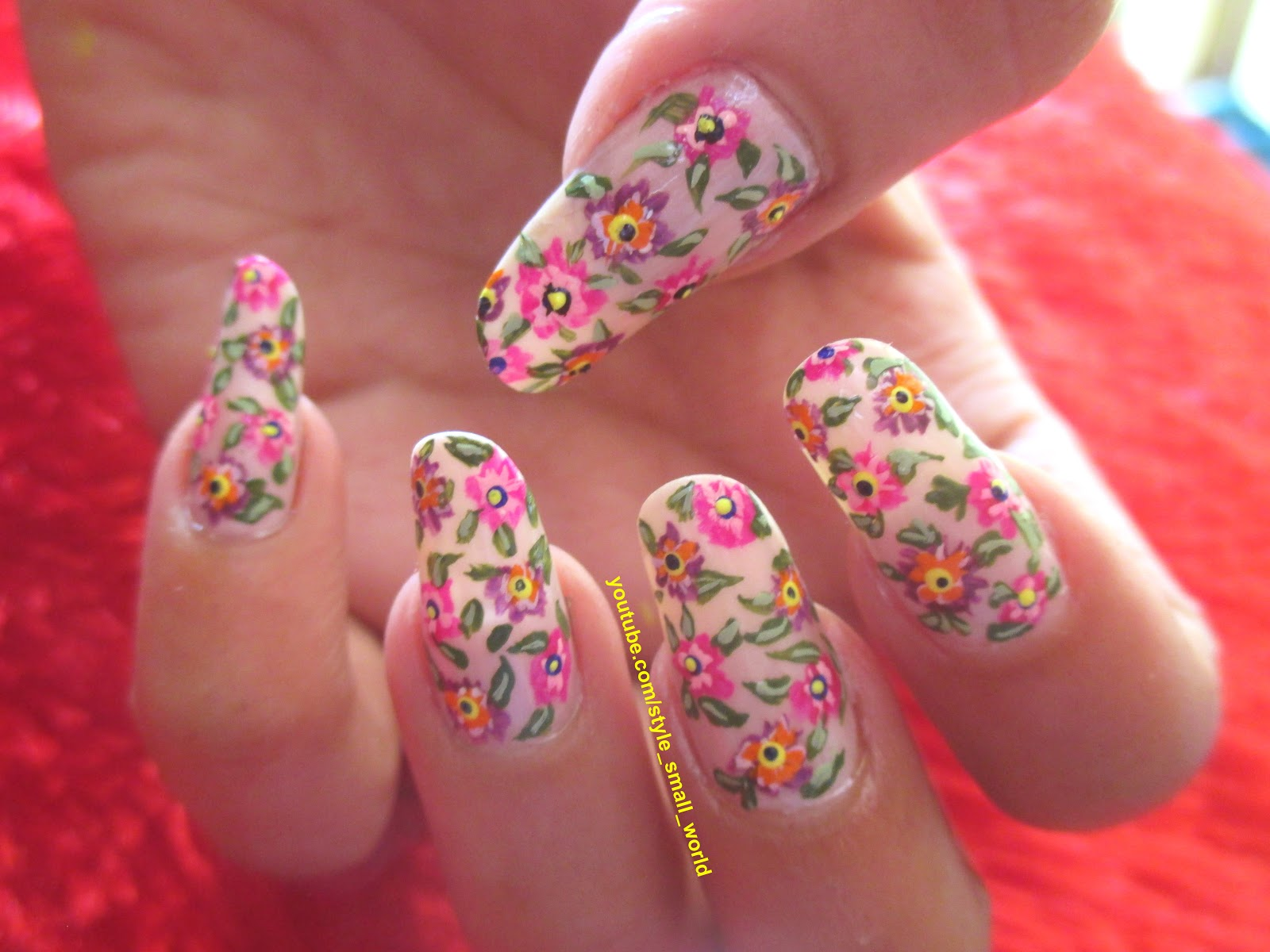 Style Small World...: Easy Floral Nail Art Design