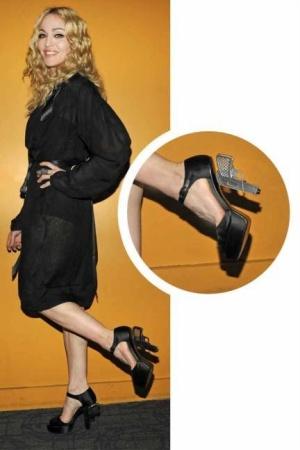 Foto Sepatu Unik Selebritis Hollywood