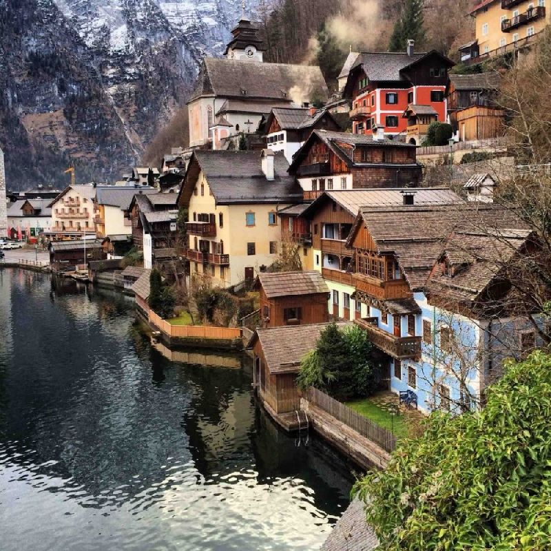 Tiny towns Hallstatt, Austria