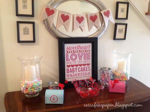 Valentine's Day Entry Table with Subway Art Printable | delightinthelittlethings.com