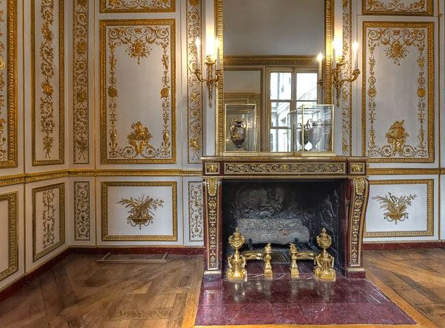 Gods and Foolish Grandeur: Le cabinet de la garde-robe of Louis ...
