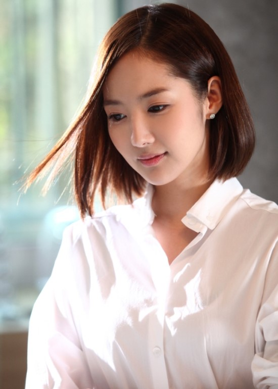 park min young flawless skin 02