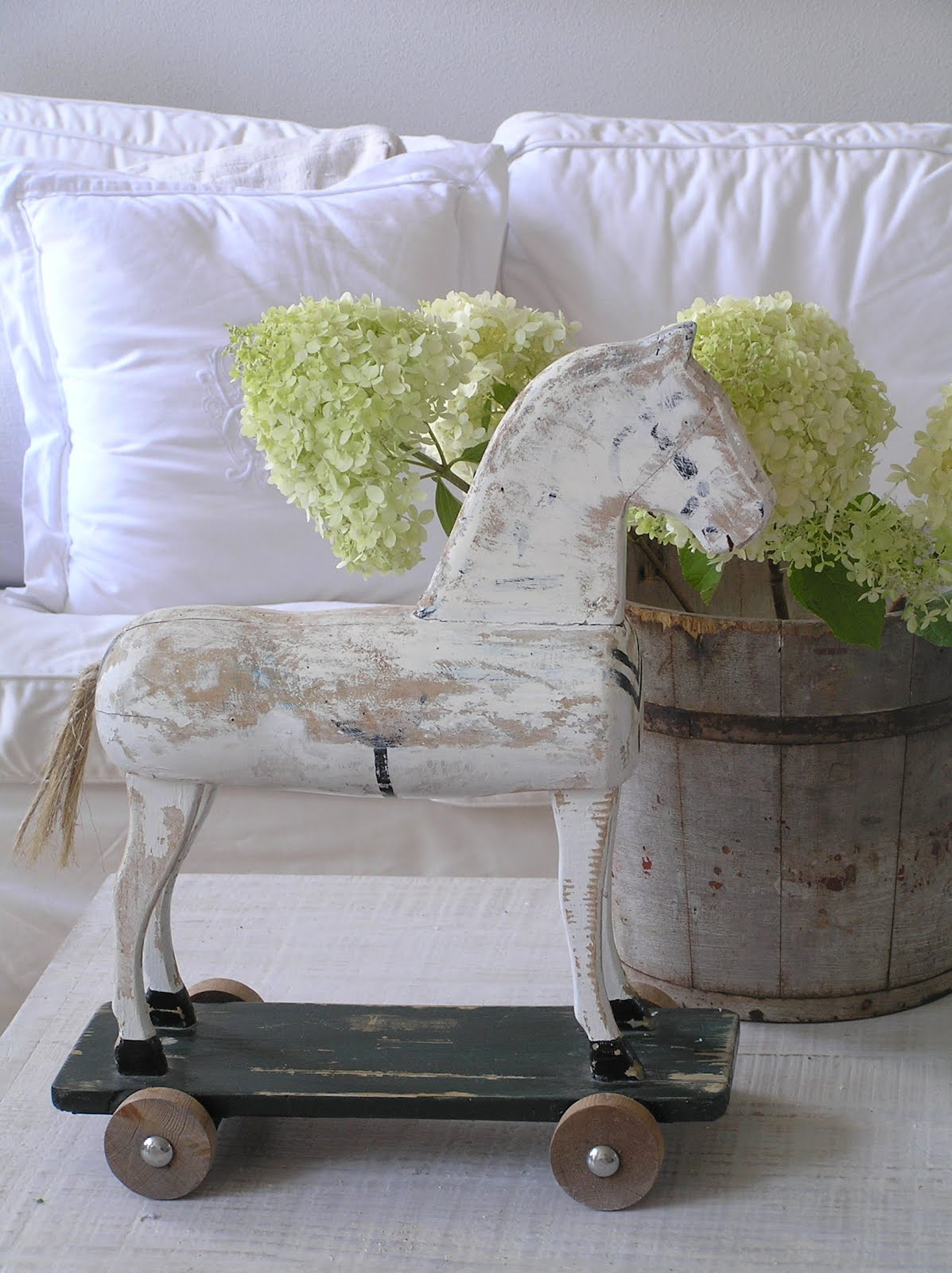 Pastels and Whites  Antieke paarden    Antique horses