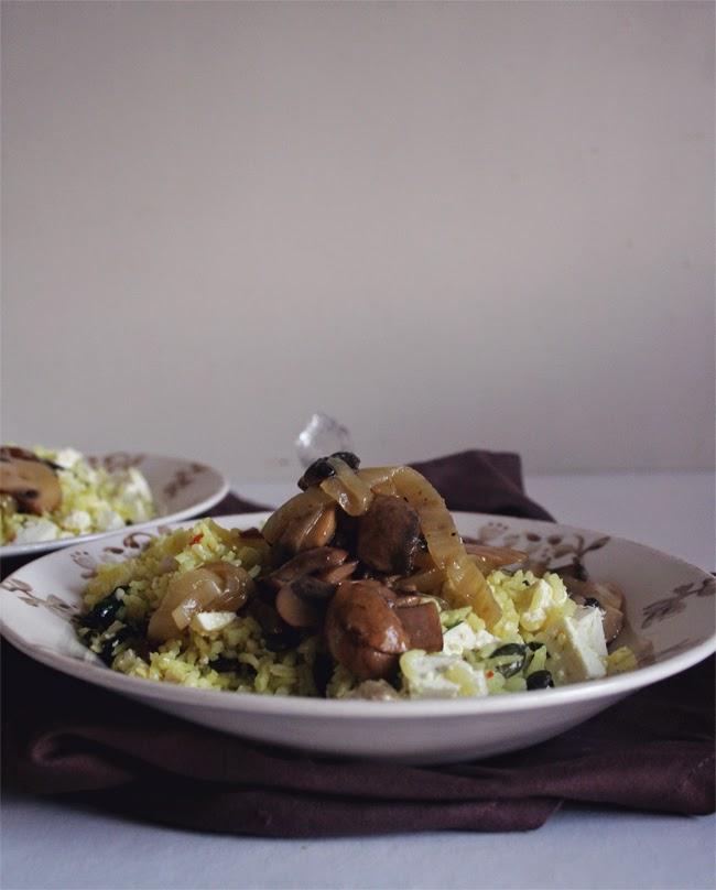 petiscosemiminhos salada t pida de arroz cogumelos e queijo feta rice mushroom and feta. Black Bedroom Furniture Sets. Home Design Ideas