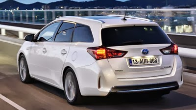 Toyota conductor feliz Auris Hybrid Touring Sports