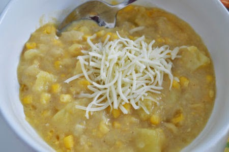 White-Cheddar Potato & Corn Chowder | seriously-lovely.blogspot.com