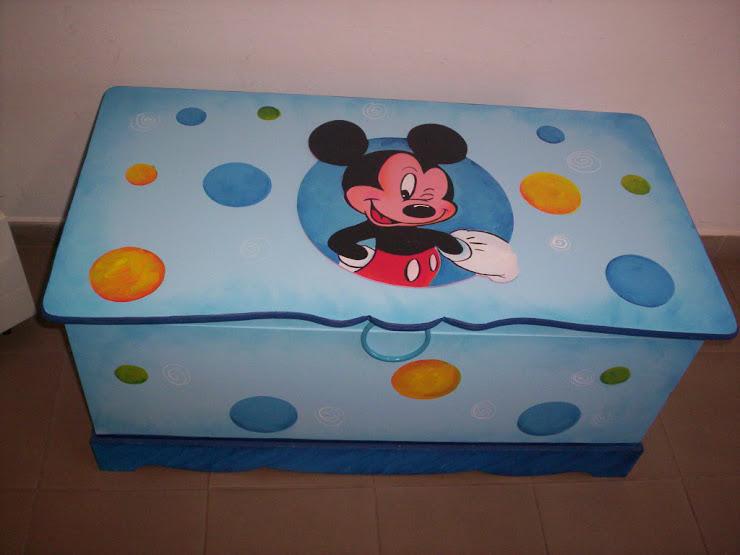 Bau GG Mickey  R$ 260,00 1mX48x48