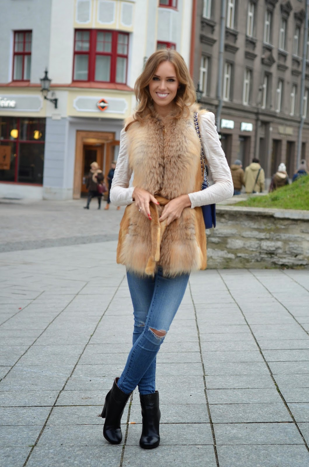 red-fox-fur-jeans-ankle-boots-outfit kristjaana mere