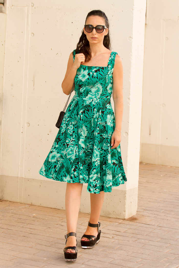 Streetstyle con vestido estilo lady de la blogger valenciana withorwithoutshoes