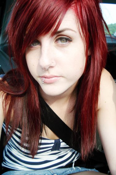 Emo girls hairstyles in red