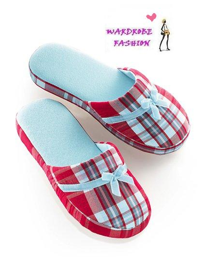 7d5a6eede87f VICTORIA SECRET Flannel Slippers Size M (7-8)RM28