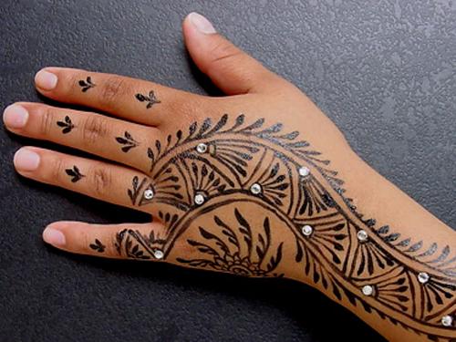 Cute Mehndi Tattoo : Flowers tattoo finger foot hand cute small design teen girls women