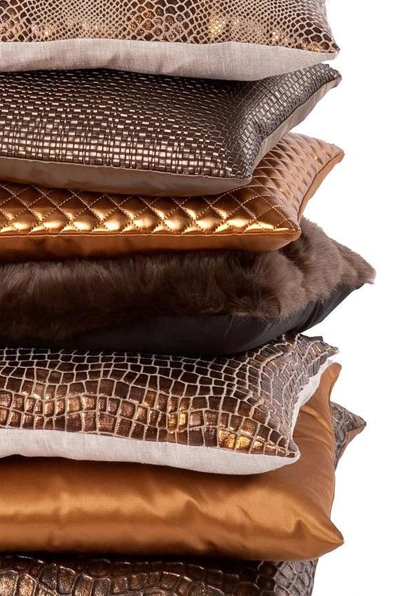 tendencia-decoracao-cobre-almofadas