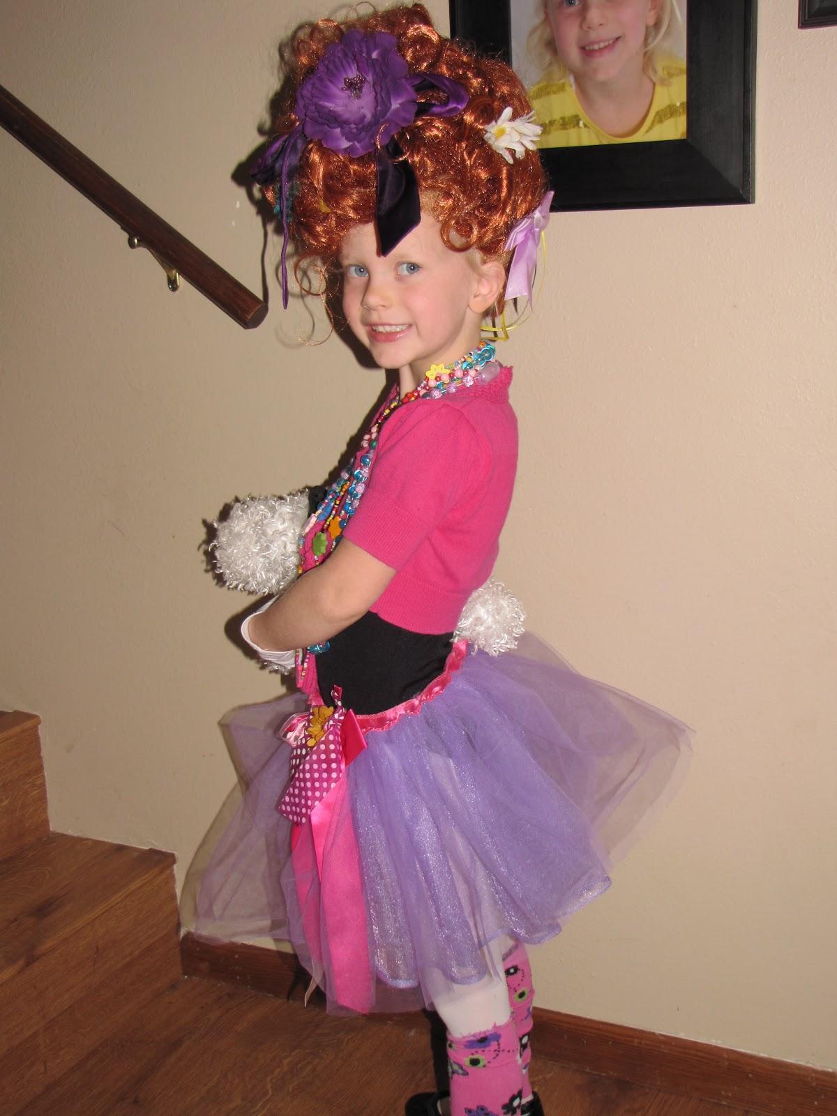 halloween preview - Fancy Nancy Halloween