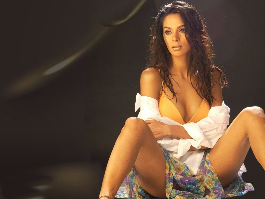 Hot and Sexy Mallika Sherawat photos