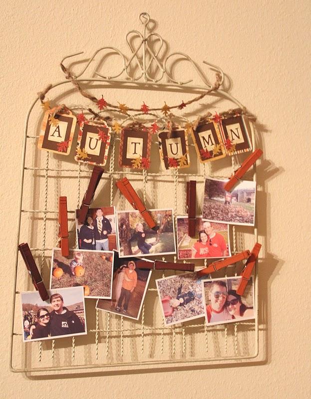 Mum Gate Fall Photo Display