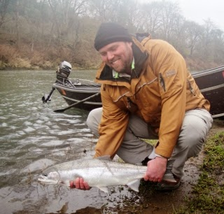 Umpqua fishing report rogue river fishing guides for Umpqua river fishing report