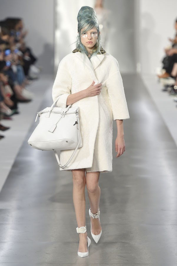 Fashion runway maison margiela spring 2016 by john for Galliano margiela