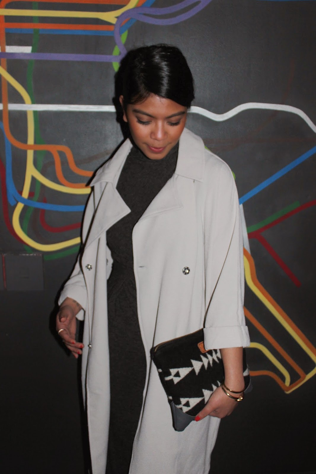 outfit of the night, saturday night, birthday outfit, long gray trench coat, aztec print clutch bag, midi gray dress, stan smith, adidas, forever 21, yoshimi pine, alexander wang