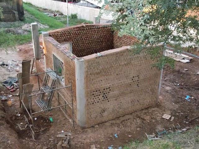 Casas ecologicas como construir una casa con 4000 for Como construir una piscina en chile