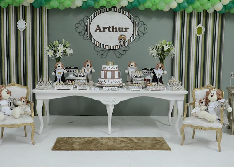 Decoraci n de fiesta tem tica del rey le n arthur for Fiestas elegantes decoracion