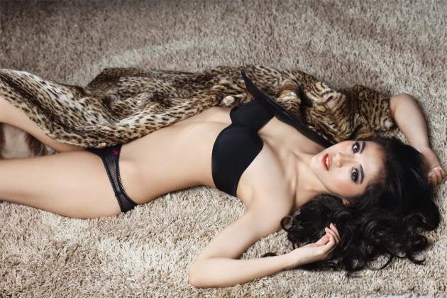 foto ngentot memek  bugil mesum Koleksi Foto Seksi Putri Una Dengan Menggunakan Bikini