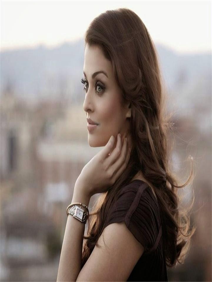Aishwarya Rai :Top 20 Beautiful Actress Aishwarya Rai's Hottest Photo Gallery (HD Photos)
