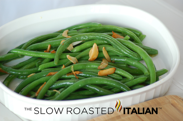 with garlic and herbs green beans with garlic chips and olive oil
