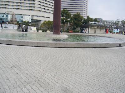 大阪城ホール前の広場
