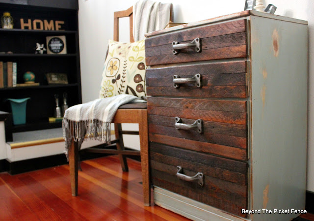 reclaimed wood dresser, industrial, decor, rustic, metal, beyond the picket fence, http://bec4-beyondthepicketfence.blogspot.com/2015/08/rustic-industrial-chest-of-drawers.html