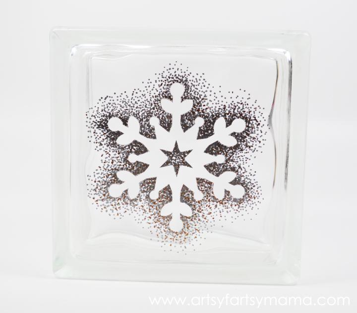 Sharpie Snowflake Block at artsyfartsymama.com #StaplesSharpie #PMedia