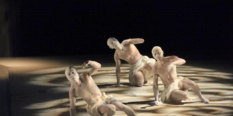 Bruges. danse japonais., butō, Concertgebouw, Sankai Juku, Umusuna