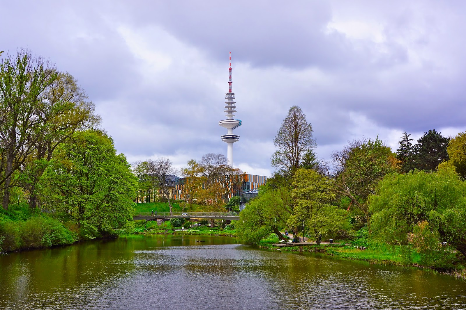 Picture of the Henrich Hertz TV tower in Hamburg, Germany.