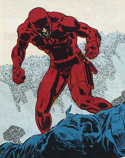 Daredevil hablando con los puños